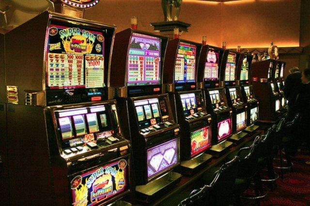 Ежедневные турниры и бонусы в Джой казино