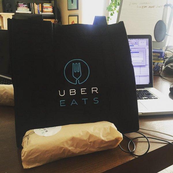 Популярный сервис доставки еды Uber Eats прекращает работу в России