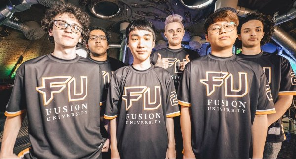 BLLIZARD запретили команде Fusion Univesity использовать на форме аббревиатуру своего названия