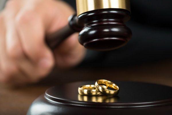 Адвокаты разводам с высокими рейтингами квалификации и одобрения возле метро Фрунзенская