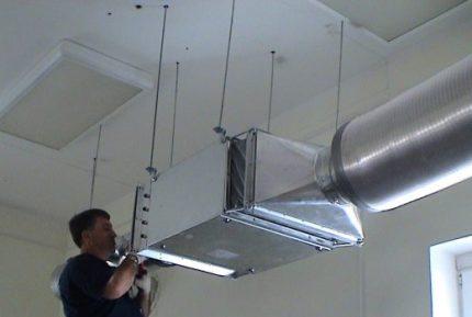Качественный крепёж для вентиляции из металла оптом