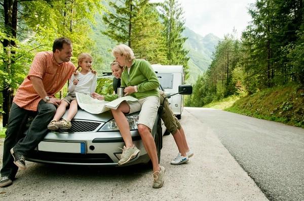 Самостоятельное путешествие на машине: что стоит приобрести заранее