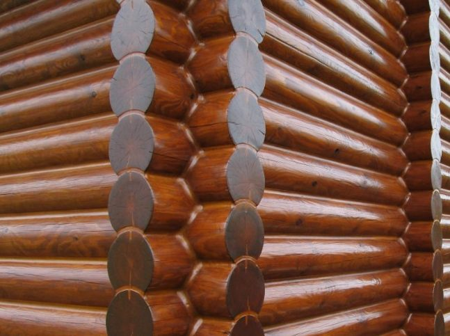 Профессиональная покраска и герметизация деревянных домов в Москве