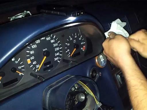 Как заменить на автомобиле приборную панель своими руками?